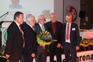 Ernst Borgböhmer mit dem Ehrenamtspreis des Kreises Bochum geehrt