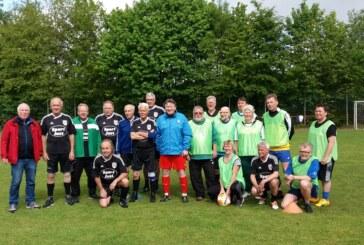 Walking football / 1. Freundschaftsspiel